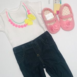 CARTERS Newborn NB Set & Shoes